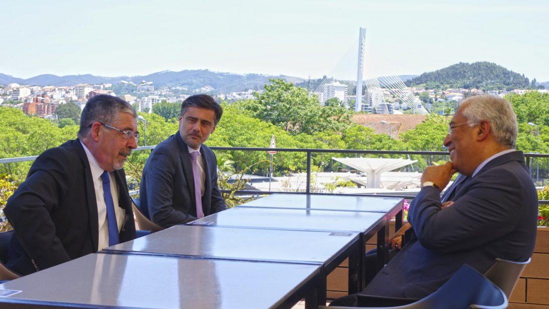 António Costa almoça com Manuel Machado em restaurante de Coimbra