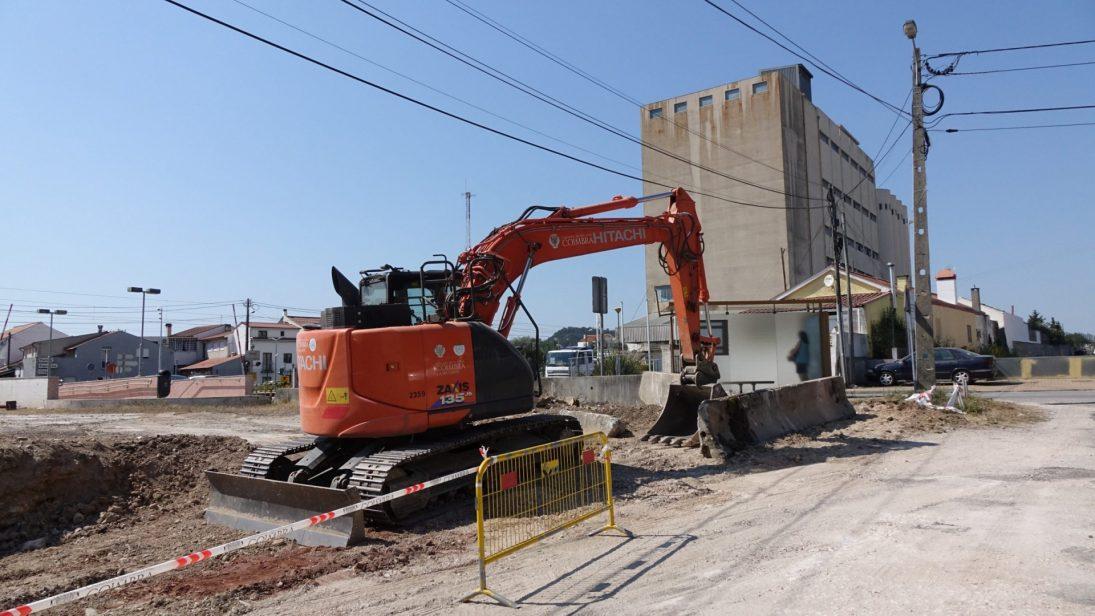 CM Coimbra reabilita terreno para estacionamento e zona de lazer na Adémia
